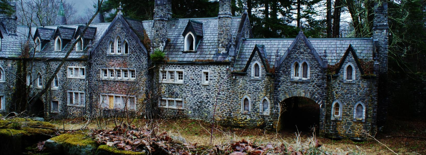 The abandoned Dundas Castle