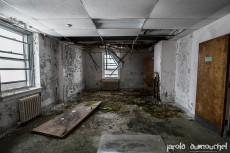 Le vieil hôpital aux mains baladeuses
