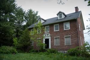 The abandoned loyalist mansion