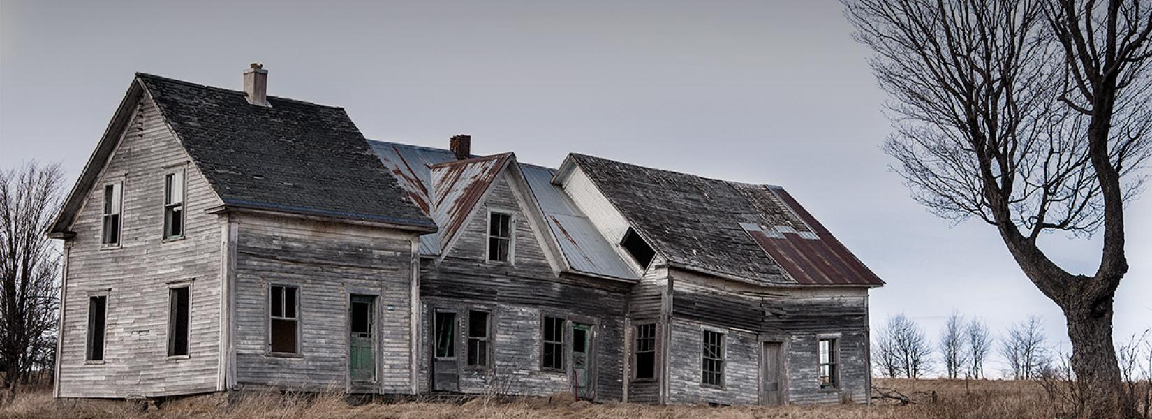 Abandoned house - Scotstown area | Photo by Jarold Dumouchel