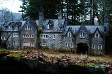 The abandoned Dundas Castle