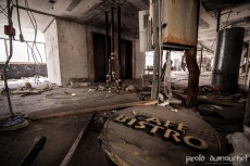 The abandoned Hipster hotel